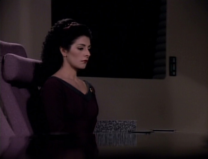 1The-Child-counselor-deanna-troi-24189083-694-530