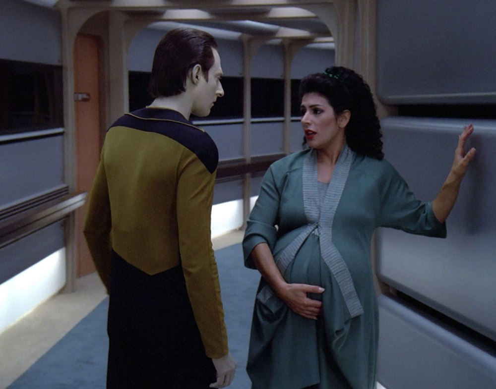 Data_and_a_pregnant_Troi
